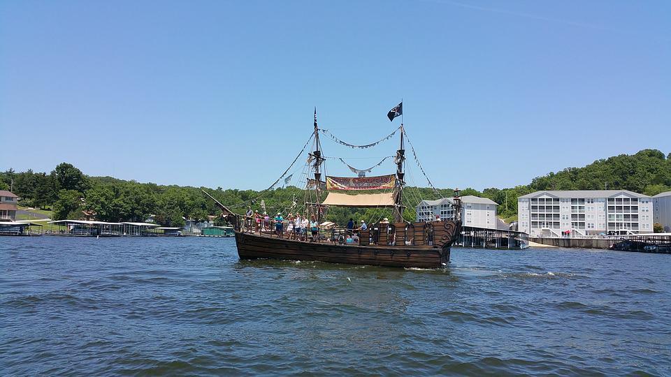 Lake Ozark boat